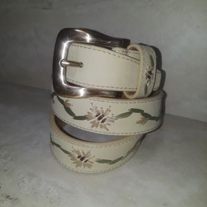 Fossil cream-colored leather embroidered belt